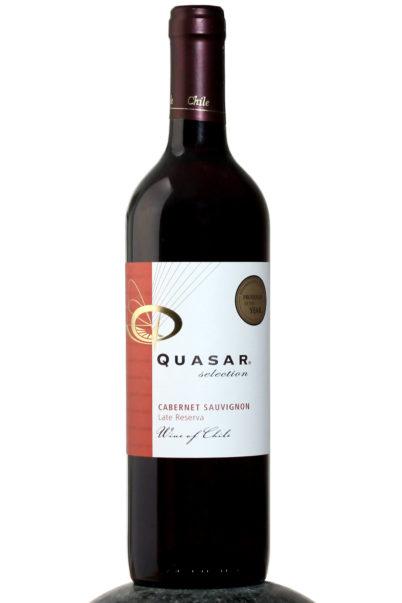 bottle of Quasar Late Reserva Cabernet Sauvignon 2017 wine