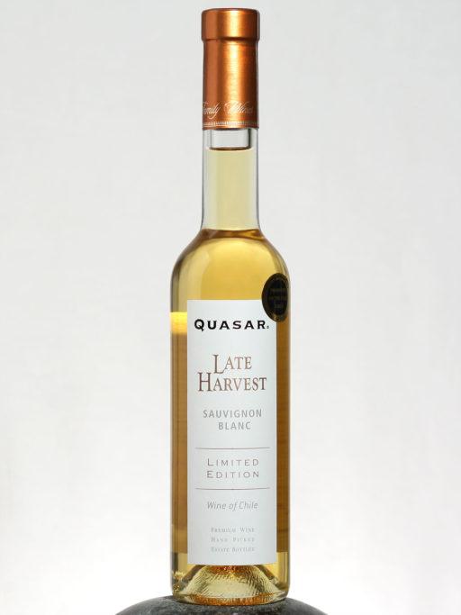 bottle of Quasar Late Harvest Sauvignon Blanc wine