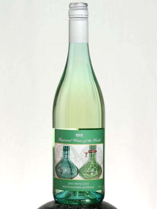 bottle of RWW Moscato wine